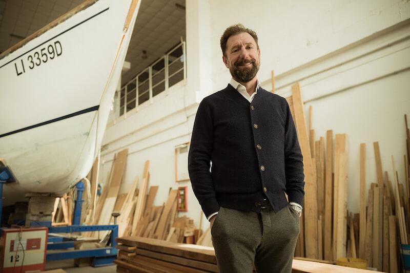 Gianni Carrer e le biciclette col telaio in legno