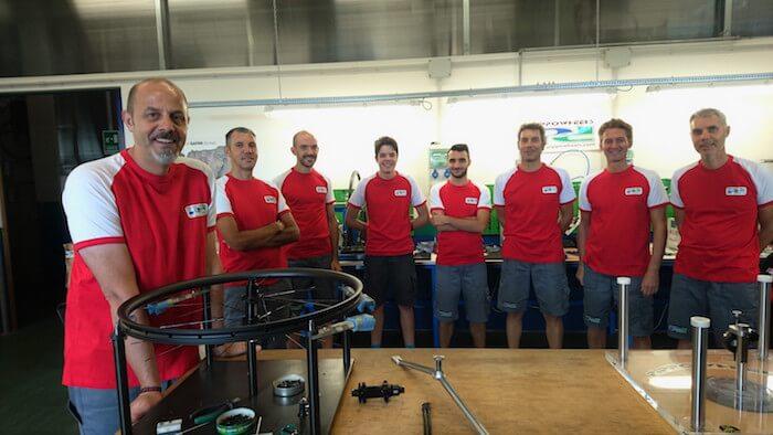 Team di Pippowheels artigiano della bicicletta