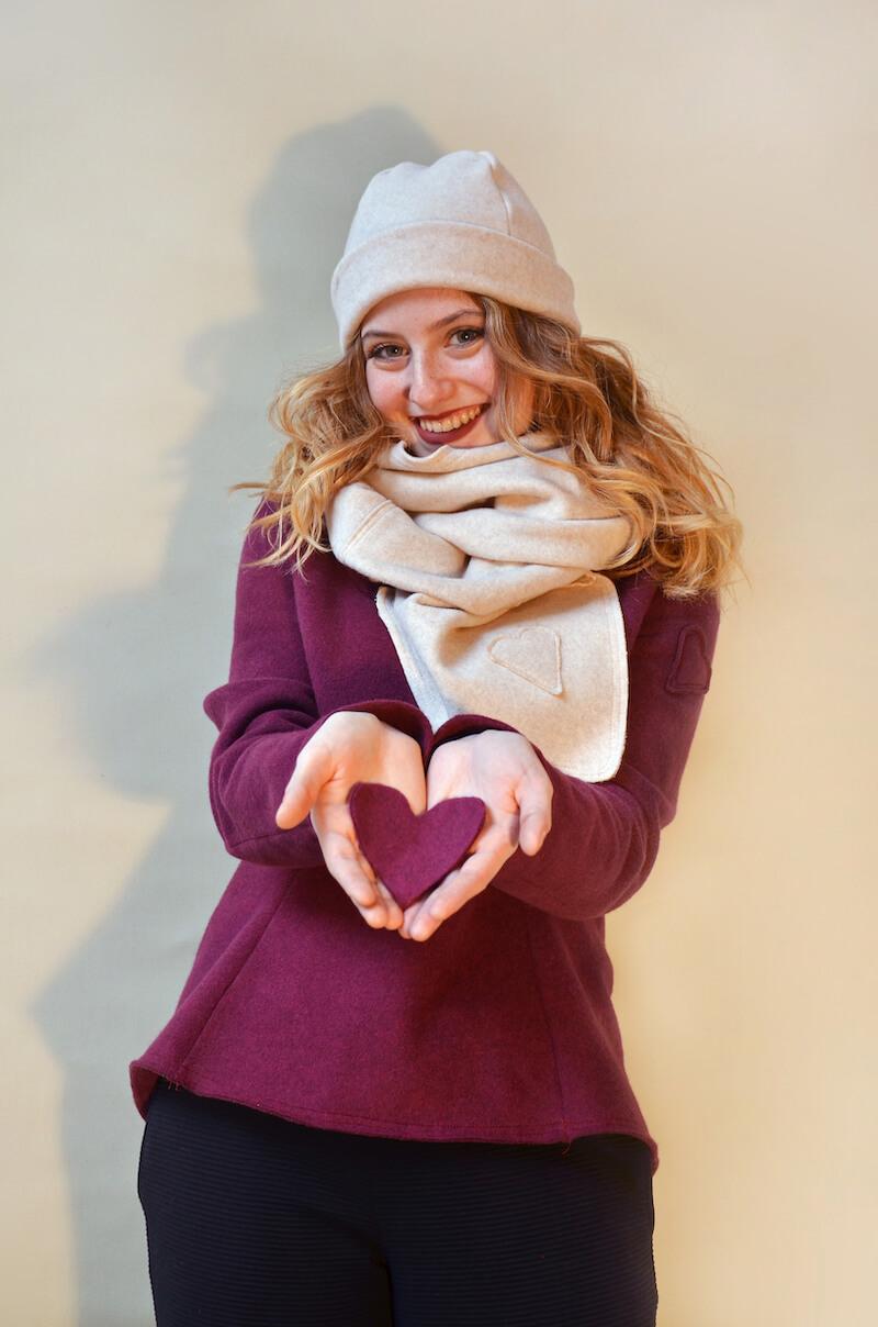 I capi della collezione donna di Puro Amore sono realizzati su misura e personalizzabili in base alle richieste della clientela