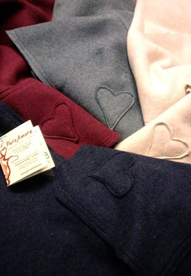 I tessuti utilizzati da Puro Amore sono in puro cotone biologico