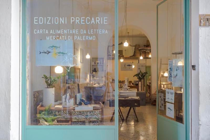 Edizioni Precarie realizza carte da lettera originali e uniche che si ispirano all'iconografia tipica dei mercati palermitani
